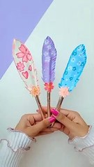 DIY Handmade Feather Pen topper- DIY feather pen - Paper crafts - DIY pen decoration - #shorts