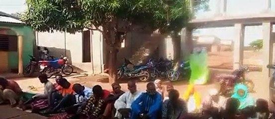 Jour de Ramadan : Vidéo de l'arrestation de Nanfo Diaby alors qu'il faisait prier ses fidèles  en maninka à Kankan