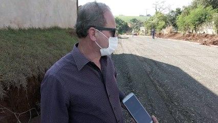 Prefeito Carlos Gil vistoria obras de na Av. Brasil