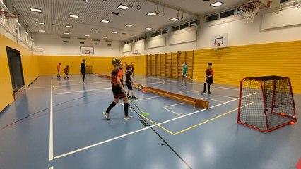 Unihockey-Tennis (Technik-Clip)