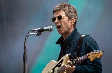 Noel Gallagher insulte violemment Boris Johnson