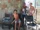 Após apelo da mãe na TV Diário do Sertão, jovem especial recebe doação de duas cadeiras de rodas
