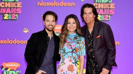 """5 Things To Know About The """"iCarly"""" Reboot"""