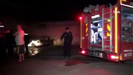 Bursa'da park halindeki otomobil alevlere teslim oldu