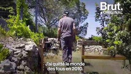 """À 77 ans, Jo vit isolé en Corse, loin du """"monde des fous"""""""