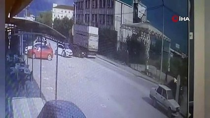 Bursa'da TIR dehşeti! Saniye saniye kamerada