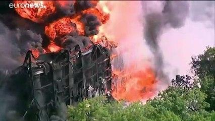Пожар на химзаводе потушить не удаётся