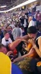Devin Booker récompense le fan des Suns qui s'était bagarré dans les tribunes