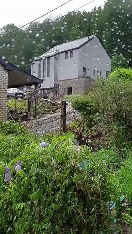 Lustin : coulées de boues sur les maisons de la rue du Bois Josse (1)