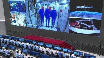Xi Jinping s'est entretenu avec les astronautes de son pays