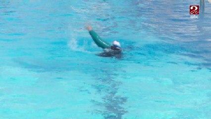 سلوى إيهاب.. بطلة من ذوي الاحتياجات الخاصة تتحدى إعاقتها بالسباحة