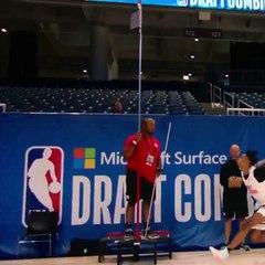 Keon Johnson bat le record de détente du Draft Combine !