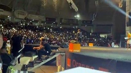 Côte d'Ivoire : Santrinos fait une prestation de feu au concert de Josey