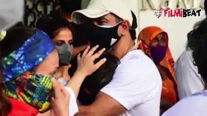 Mandira Bedi का पति Raj Kaushal के जाने के बाद रो रो कर बुरा हाल, सहेलियों ने ऐसे संभाला  FilmiBeat