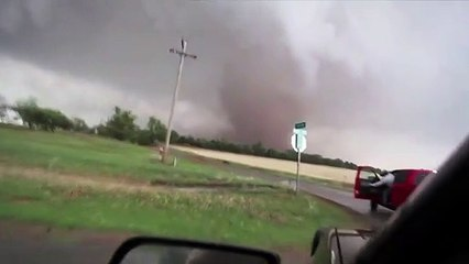 TEXAS TORNADO FEST - July 6, 2021 Raw tornado footage captured by Nashville used-car dealer