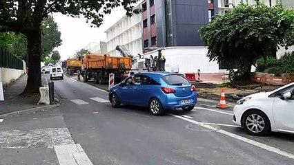 Circulation délicate pour les véhicules d'urgence sur l'avenue Georges Pompidou à Périgueux