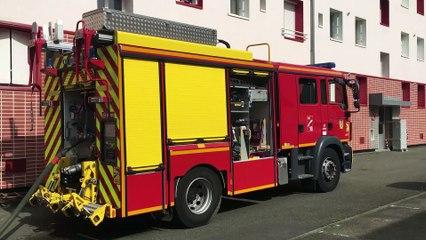 Au Mans, les pompiers apprennent aux habitants les réflexes à adopter en cas d'incendie, en conditions réelles