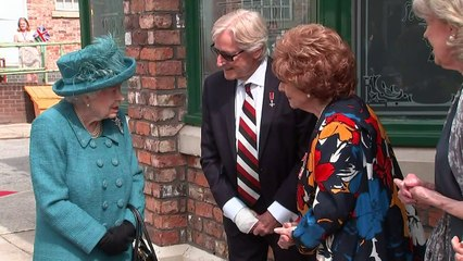 Queen visits Coronation Street set in Manchester