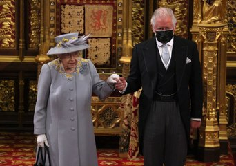 ¿Qué pasaría si el príncipe Carlos muere antes de la Reina?