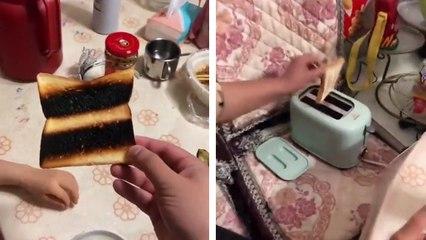 Quand une femme utilise un grille-pain pour la première fois