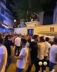 Kadıköy'de kilise kapısı üzerinde dansa AKP'den kınama