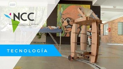 """Niños colombianos crean un """"robot enfermero"""""""