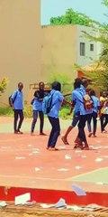 CEM de Hann : Les élèves déchirent leurs cahiers de cours pour célébrer la fin de l'année scolaire