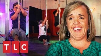 "Trent y Amber practican ""Pole dance"" | Una gran familia | TLC Latinoamérica"