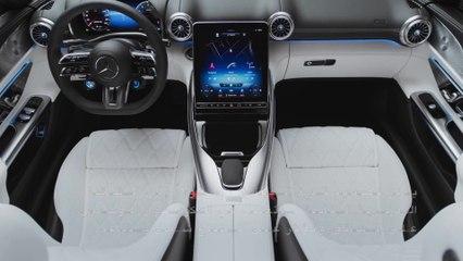 رؤى حصرية للمقصورة الداخلية لسيارة Mercedes-AMG SL الجديدة
