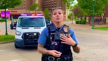 Cop in Kansas City Missouri draws gun out the holster and shoots! (MUST SEE)--0LG1BktXl0