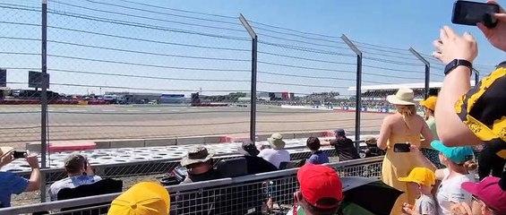Max Verstappen crash 1st lap British GP - Dalle tribune - Incidente pazzesco