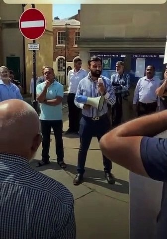 Taxi drivers demonstrate outside Wakefield Town Hall 19/7/2021