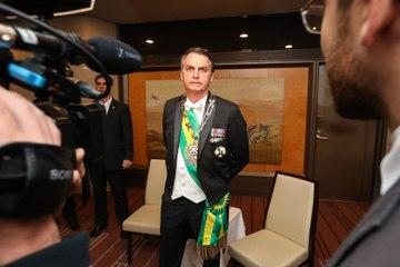 Bolsonaro alfineta Lula, critica urna e insinua desistência da eleição em 2022: 'entrego a faixa'