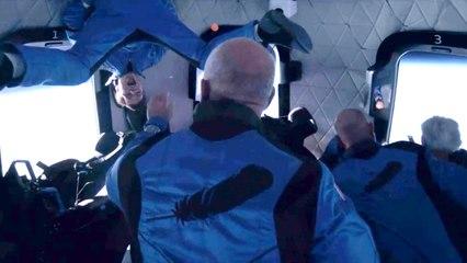Jeff Bezos y su tripulación flotan en el espacio