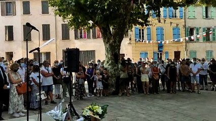 Minute de silence en hommage à Doriane Ragon