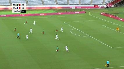 Festival de Lainez, tête smashée et défense bleue dépassée : le but du 1-0 pour le Mexique