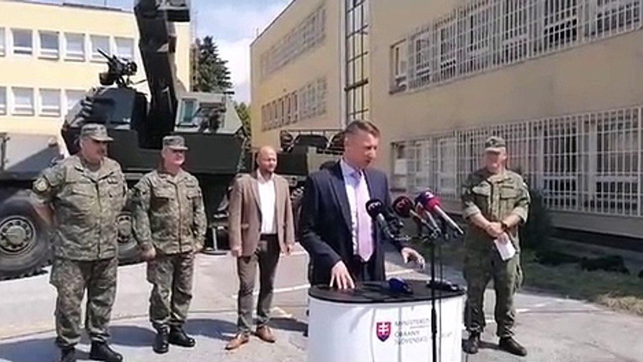 ZÁZNAM: TK ministra obrany Jaroslava Naďa k odovzdaniu húfnic Zuzana 2
