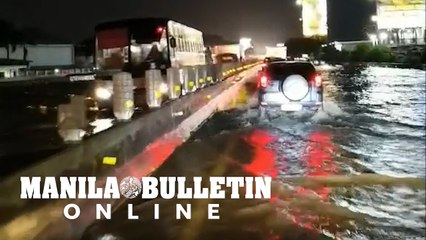 Portions of SLEX after San Pedro Exit are flooded due to the heavy rains