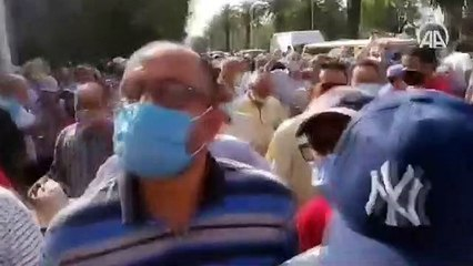 Tunus polisinden darbe karşıtlarına müdahale görüntüleri
