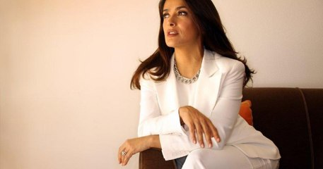 The Hitman's Wife's Bodyguard Salma Hayek Interview Testless (Captioned)
