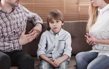 Ces comportements toxiques que la plupart des parents adoptent sans le vouloir