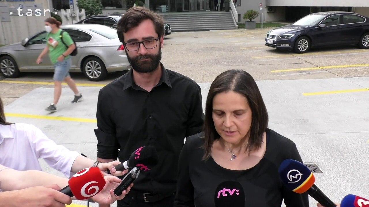 M. Kolíková a M. Hattas po rokovaní predsedníctva Za ľudí