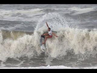 Hawaiian surfer Moore earns gold for USA Huntington Beach's Igarashi