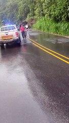Terraplén cae sobre carro en Turrialba y deja a conductor fallecido pt. 2