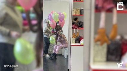 Frau erfindet farbenfrohen Ballon-Haarstyle