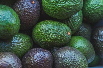 6 Health Benefits of Avocados (National Avocado Day, July 31)