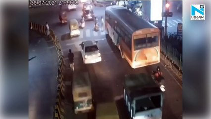 SHOCKING! Watch the actual footage of Lucknow girl beating cab driver