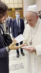 Jonathan Roumie meets Pope Francis