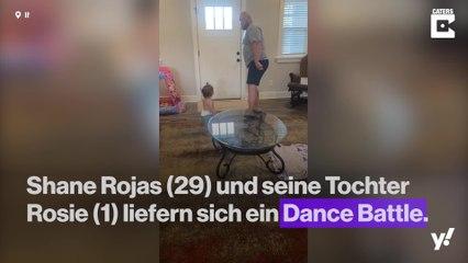 Vater und Tochter liefern sich ein Dance Battle