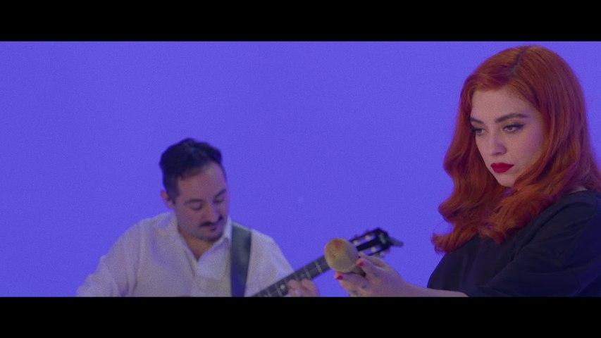 Mon Laferte - Se Me Va A Quemar El Corazón